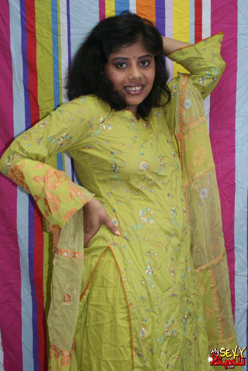 Pic gal  23. Rupali in green shalwar suit